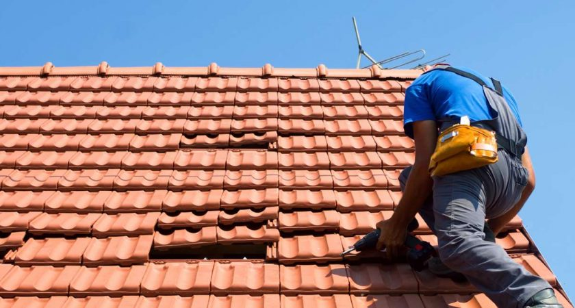 Tips On How To Manage When Your Roof Starts Leaking