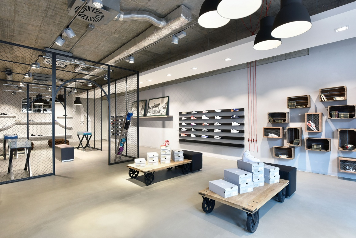 Why Many Store Managers Prefer Booking Interior Designers Web
