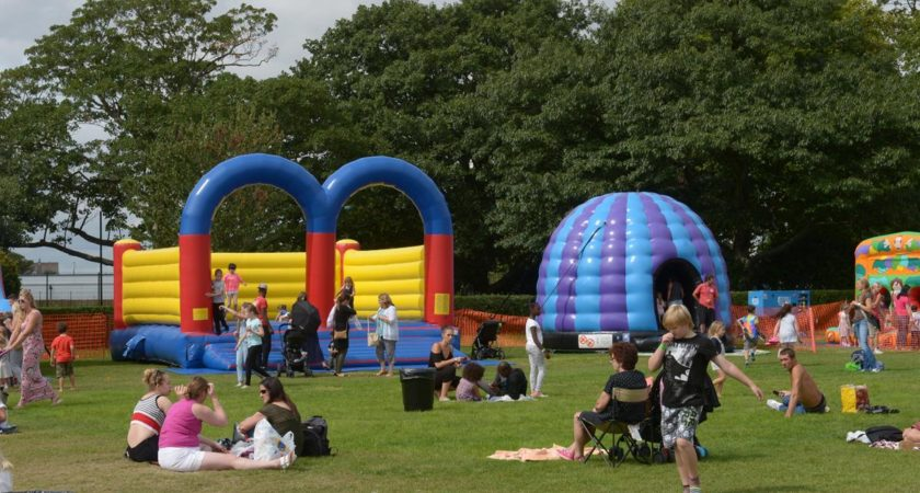 How To Set Up Your Bouncy Castle Business Conveniently?